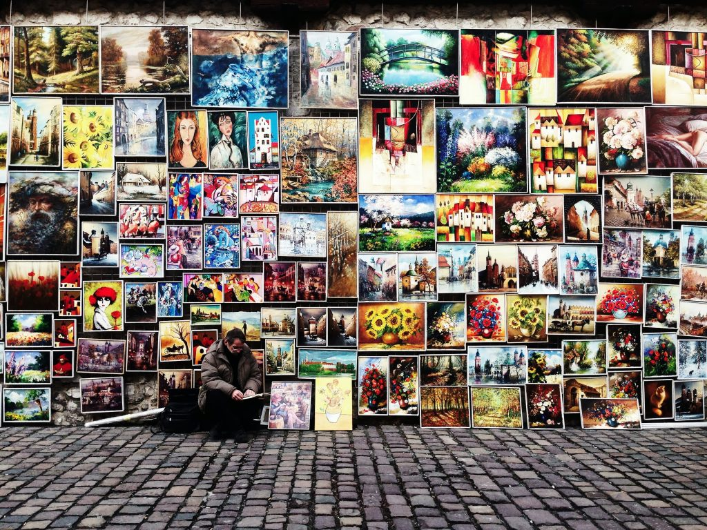 Learn To Create Your Gallery Wall